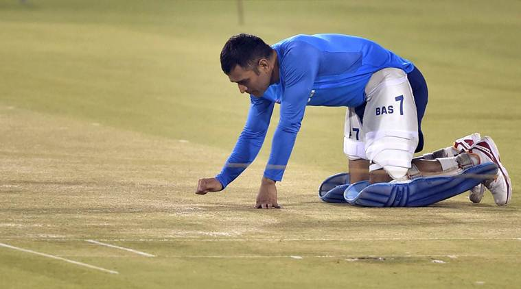 MS Dhoni at practice