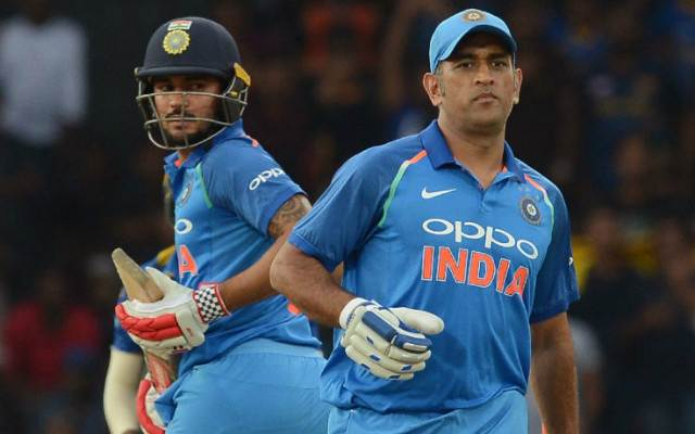 MS-Dhoni-and-Manish-Pandey