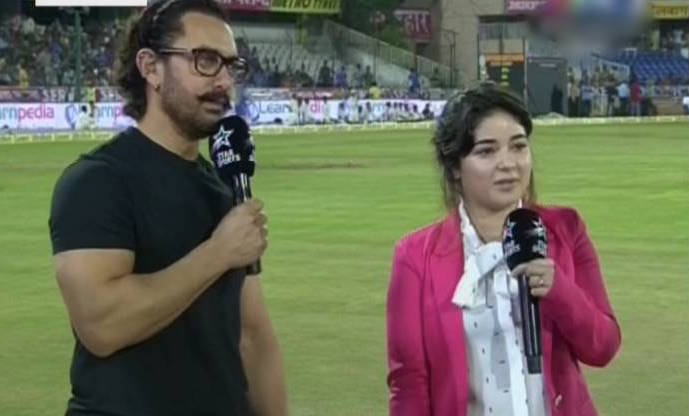 https://crickettimes.com/wp-content/images/2017/10/Aamir-Khan-Zaira-Wasim.jpg