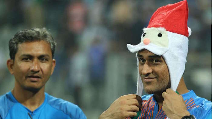MS Dhoni turns into Santa