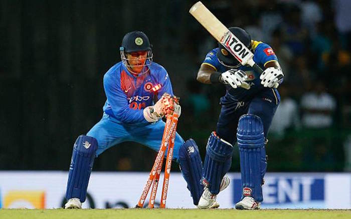 MS Dhoni, Angelo Mathews