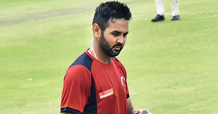 Parthiv Patel recorded on stump microphone using harsh words for on-field umpire during a LIVE match