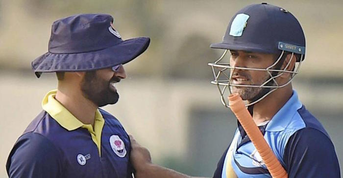 Vijay Hazare trophy: MS Dhoni gives priceless tips to J&K players after the game