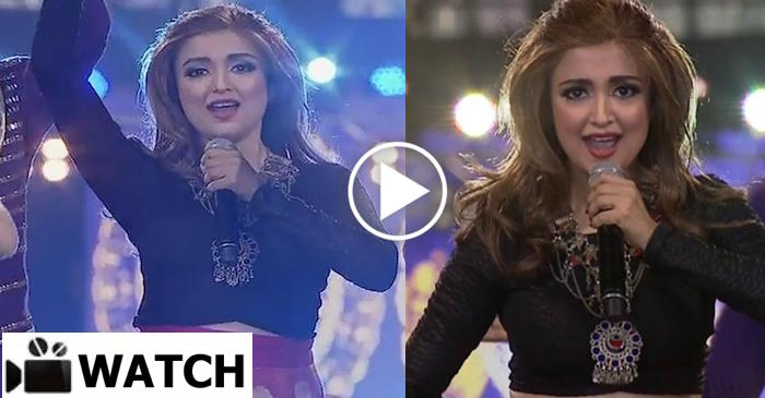WATCH: Monali Thakur stun the crowd with her performance at the IPL opening ceremony in Kolkata