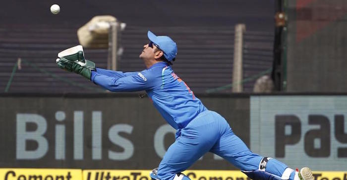 MS Dhoni catch to dismiss Hemraj