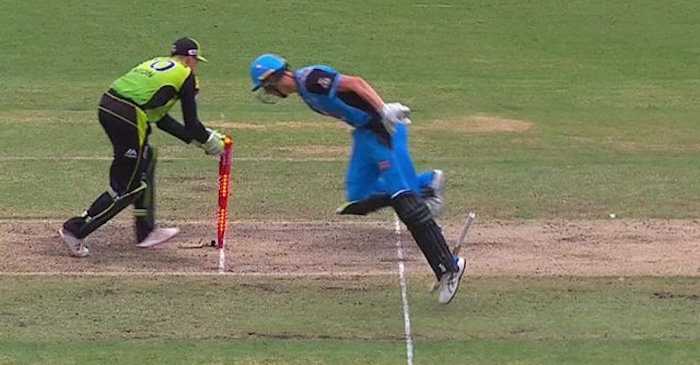 WATCH: Billy Stanlake gets run-out in a comical fashion