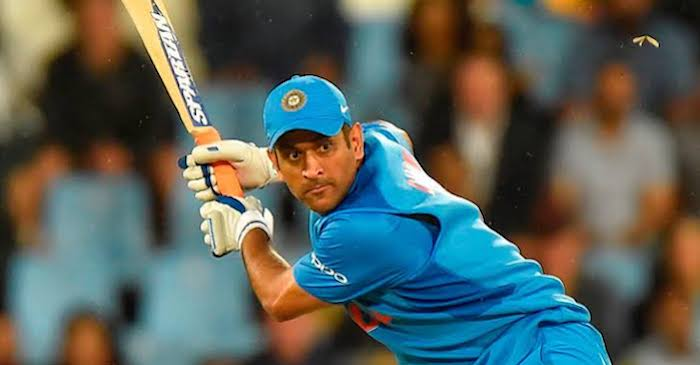 Fans get emotional after BCCI drops MS Dhoni from annual contract ...