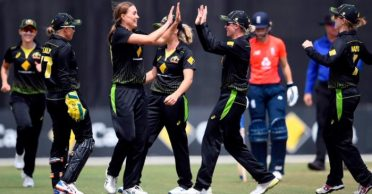 Australia trounce England to meet India in the finals of Women T20I tri-series