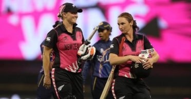 Women's T20 World Cup 2020: Sophie Devine's record half-century leads New Zealand to victory