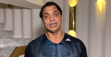Shoaib Akhtar loses cool at Peshawar Zalmi owner's comments for continuation of PSL amid coronavirus scare
