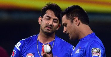 Mohit Sharma narrates the instance when MS Dhoni made his 'Patloon Dheeli'
