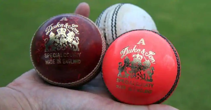 Types of cricket balls