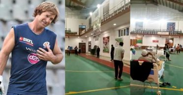 """This is why I love India!"" Jonty Rhodes shares a video clip of people playing cricket in quarantine centre"