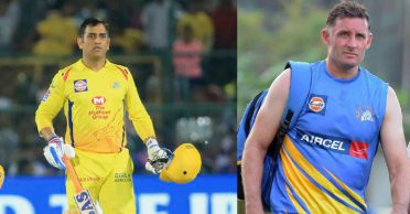 """""""I'll bat my own way, thanks"""" – When MS Dhoni lost his cool at Michael Hussey"""