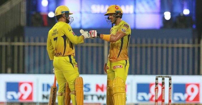 IPL 2020: CSK fans unhappy as MS Dhoni strike late while chasing RR's mammoth total