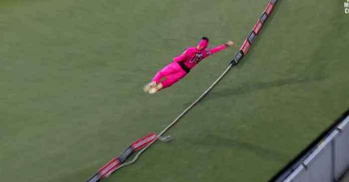 BBL 2020-21: WATCH – Jordan Silk defies 'laws of physics' to save a certain six against Hobart Hurricanes