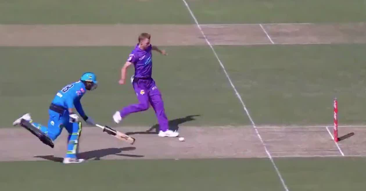 BBL 2020-21: WATCH – Riley Meredith shows impressive footwork to run out Ryan Gibson in Hobart Hurricanes win