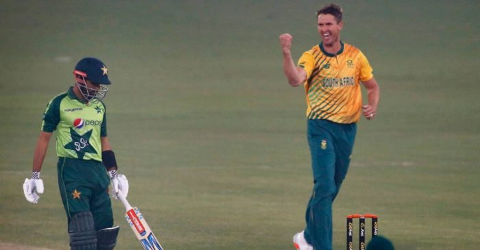 Twitter reactions: Dwaine Pretorius' fifer inspire South Africa to beat Pakistan in 2nd T20I
