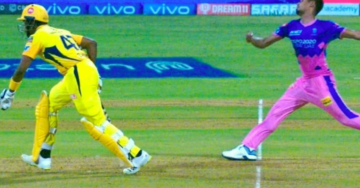IPL 2021: Dwayne Bravo's attempt to steal a run in a viral picture triggers the' Mankading' debate again